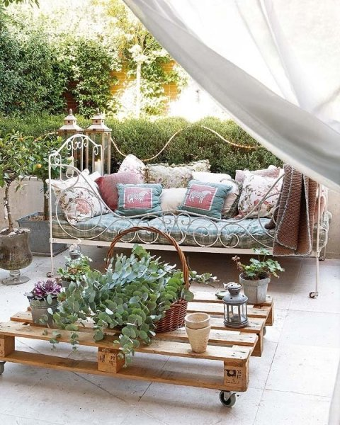 alternative-curtain-uses-outdoors