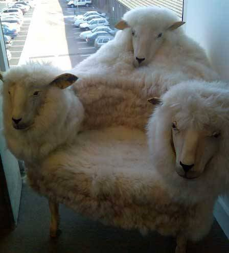 strange-chair2_rPOH4_48
